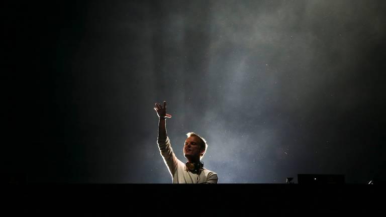 Avicii tijdens een optreden in Portugal (Foto: ANP).