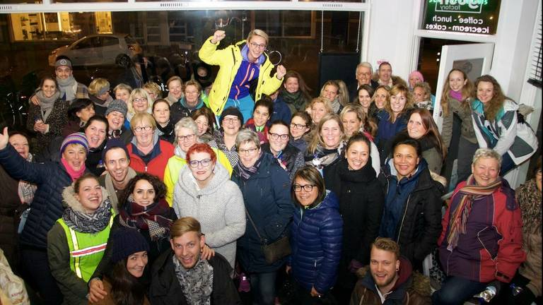 De kick-off van BredaWandelt: meer deelnemers dan op de foto passen