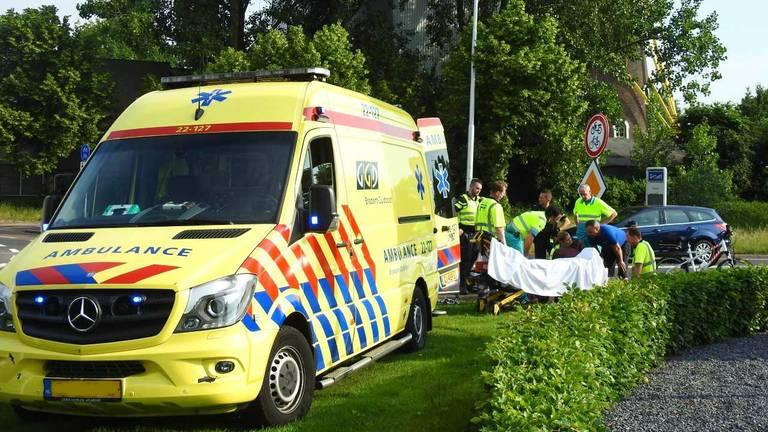 De jongen is met spoed naar het ziekenhuis gebracht. (Foto: Danny van Schijndel).