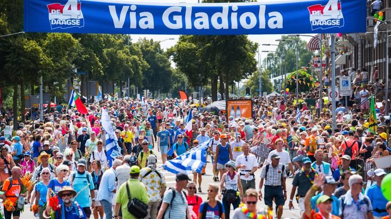 De finish van de Vierdaagse op de Via Gladiola. (Foto: ANP).