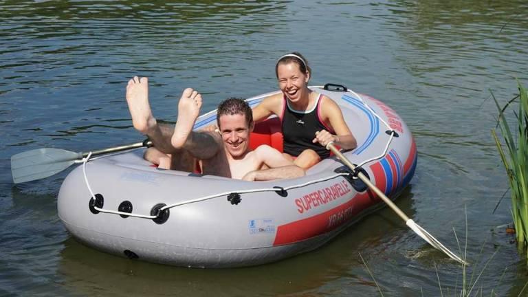Dobberen op het water kan gewoon in coronatijden (foto: Bianca Dekker).