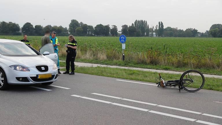 Politie doet onderzoek na het ongeluk in Oeffelt (foto: SK-Media).