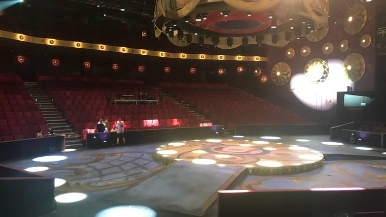 Het theater van de Efteling is veranderd in een soort piste. (Foto: Linda Koppejan)