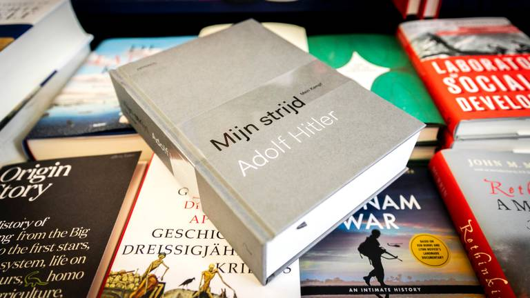 Mijn Strijd is nu gewoon te koop in de boekhandel. (foto: ANP)