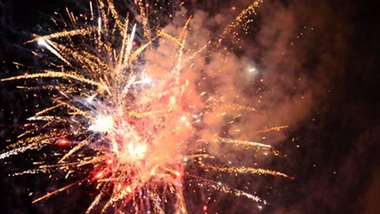 Het vuurwerk zal komende jaarwisseling niet goed te zien zijn. (Archieffoto)