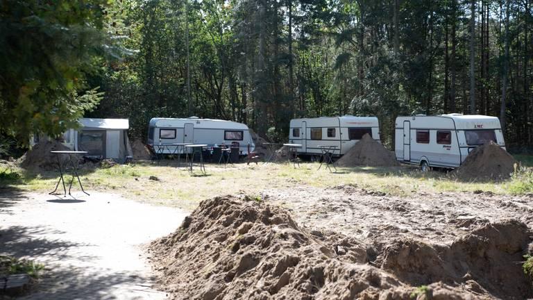 Het kampje in Mill waar de broers Soering inmiddels zijn vertrokken (Foto: Kevin Cordewener)