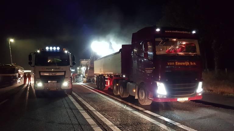 De werkzaamheden zijn in volle gang op de A67 (Foto: Peter Aaldering)