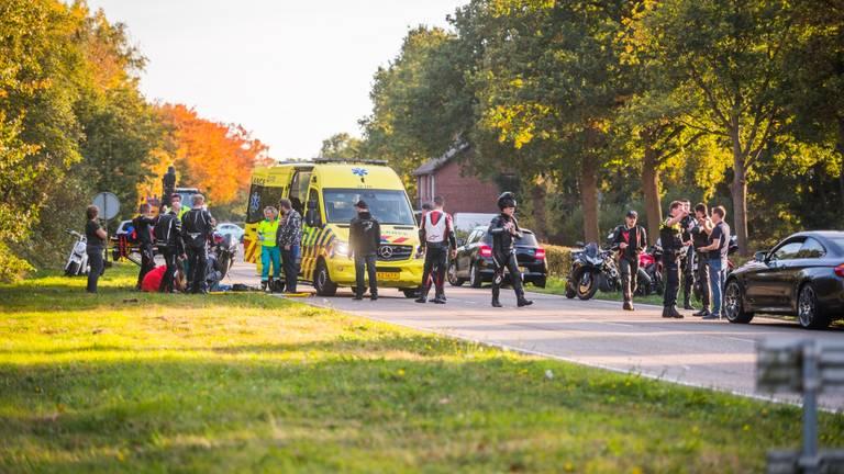 De motorrijder is zwaargewond (foto: Sem van Rijssel/SQ Vision Mediaprodukties)