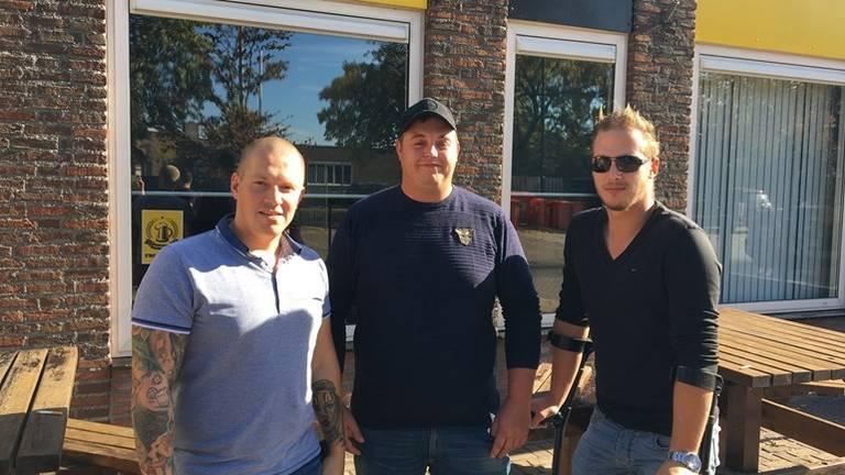 De mannen van het vijfde van RKVV Waalre en initiators van de verboden sponsor