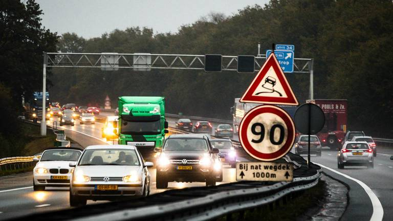 Druk was het ook op de A67 (foto: Rob Engelaar).