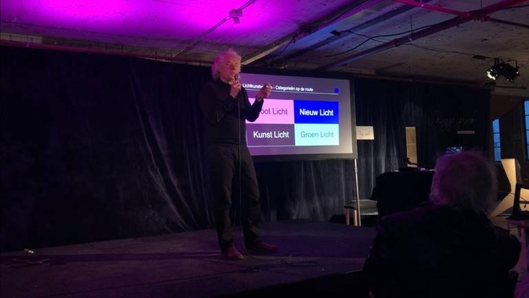 Glowdirecteur Ronald Ramakers presenteert de nieuwe huisstijl