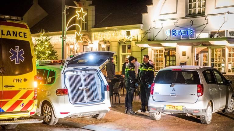 Man overleden na geweldincident in Nuenense kroeg.