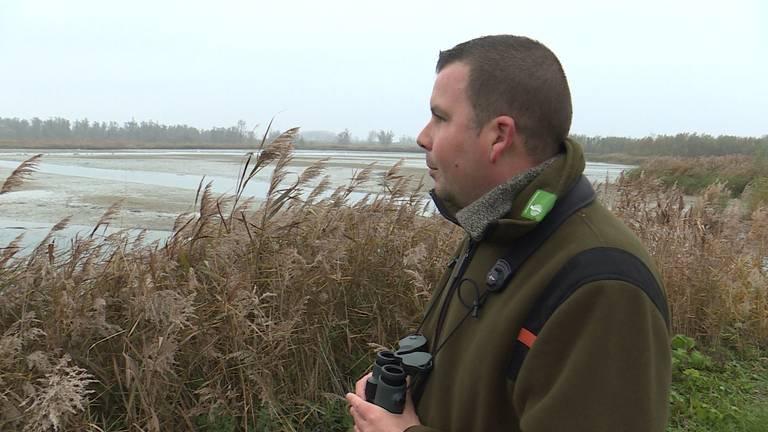 Kreken en beken in de Biesbosch staan droog zegt Thomas van der Es