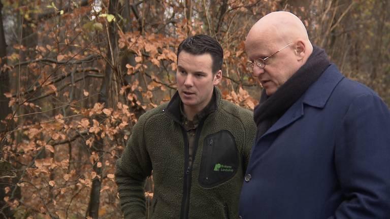 Boswachter Erik de Jonge en minister Grapperhaus. (foto: Omroep Brabant)