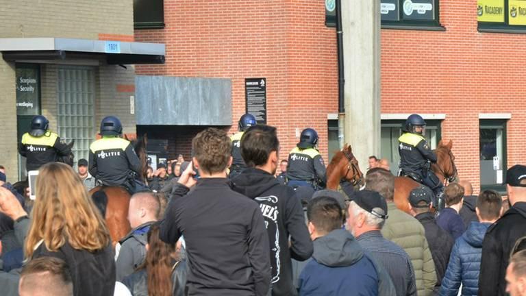 Na de rellen in oktober in Breda zijn een dertigtal supporters aangehouden (Archieffoto: Perry Roovers)