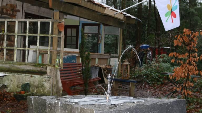 Een nieuwe fontein bij de Boshut om de oprichting van Annatopia te vieren. Stromend water is een belangrijk element in het werk van kunstenaar Anne Pillen.