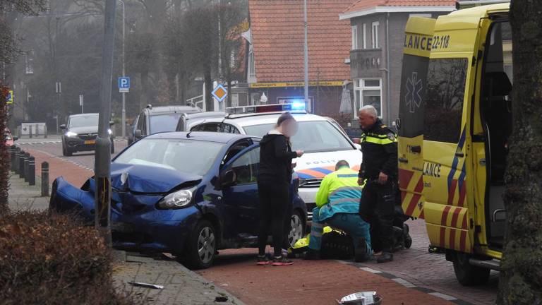 De bestuurster raakte gewond (foto: Jozef Bijnen, SQ Vision Mediaprodukties).
