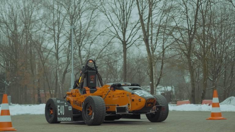 Zelfrijdende raceauto van URE. (Foto: URE)