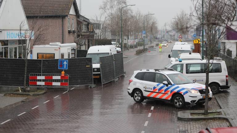 Onderzoek bij het huis in de Jan de Rooijstraat in januari. (Foto: Erik Haverhals/FPMB)