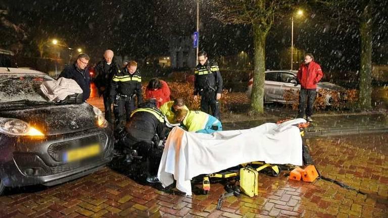 De man werd aangereden door een auto (Foto: Toby de Kort/De Kort Media).