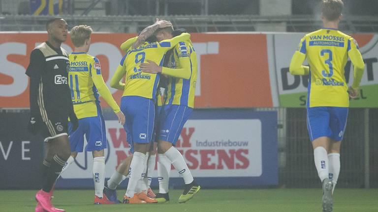 RKC mag in de mist vier keer juichen tegen Jong Ajax (foto: OrangePictures).