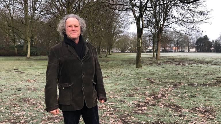 PvdA burgerraadslid Hans Rube in het Leijpark.
