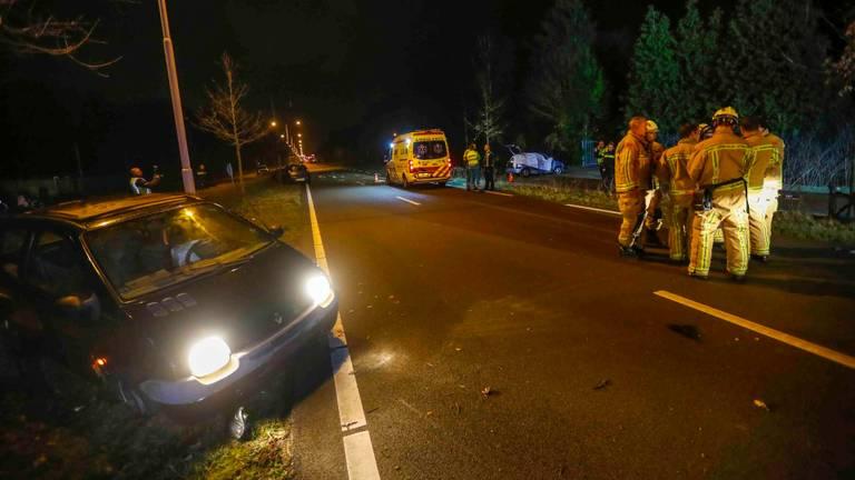 Donderdagavond ging het op de Eindhovenseweg-Zuid bij Best helemaal mis (Foto: Dave Hendriks/SQ Vision Mediaprodukties)