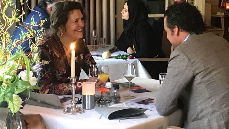 De Bredase Petra Clijsen tijdens haar date met Edwin van Beek, directeur van Citroën Van Beek. (foto: Eva de Schipper