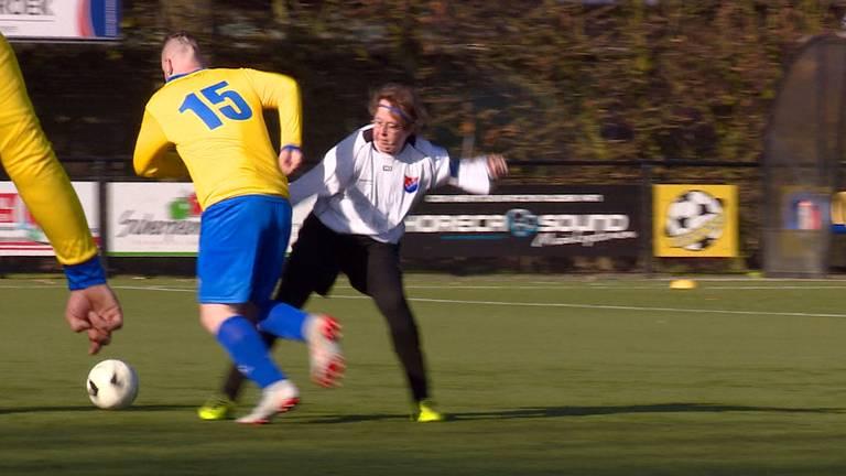 Het eerste G-damesteam van Nederland in actie.