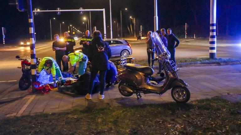 De scooter kwam in botsing met een motor (foto: SQ Vision).