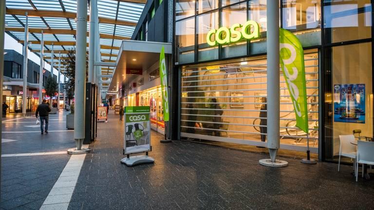 Eén van de Eindhovense winkels die de afgelopen maanden werd overvallen. (Foto: Sem van Rijsel/SQ Vision Mediaprodukties)