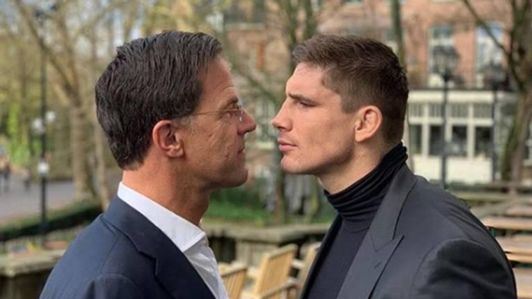 De staredown tussen Mark Rutte en Rico Verhoeven. (foto: @ricoverhoeven / Instagram)