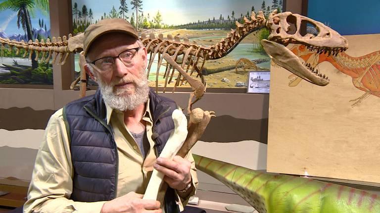 Aart Walen werkte een jaar lang aan de reconstructie van de Nederlandse T-Rex.