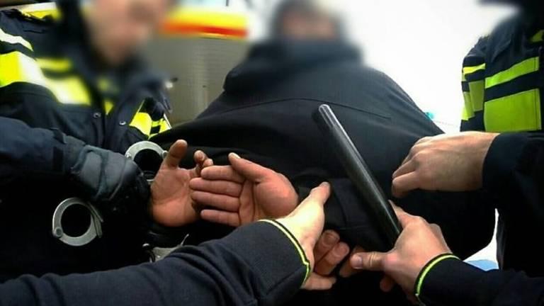 De man werd op straat aangehouden (Archieffoto)