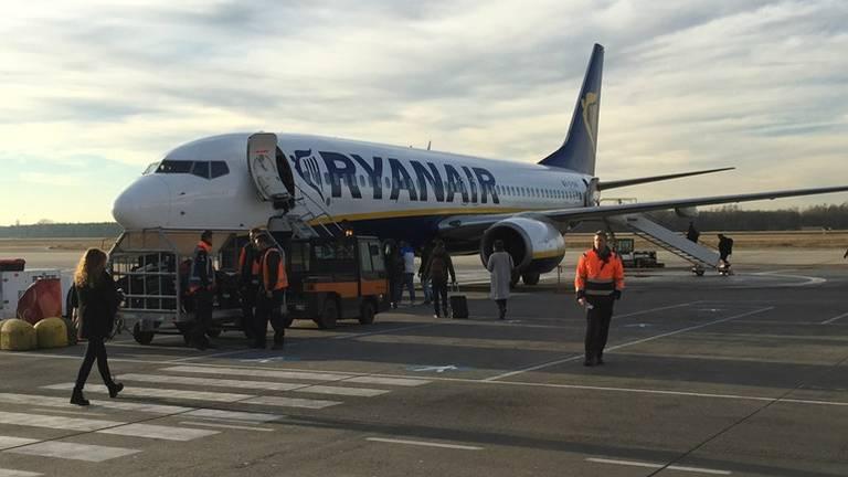 Vliegtuig van RyanAir op Eindhoven Airport. (Archieffoto)