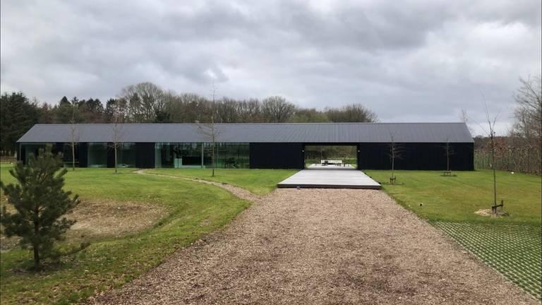 Dit huis in het buitengebied van Schijf is genomineerd voor Gebouw van het jaar.