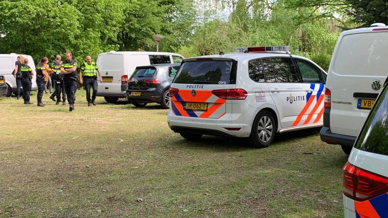 In Rosmalen is een lichaam gevonden.(Foto: Bart Meesters/Meesters Multi Media)
