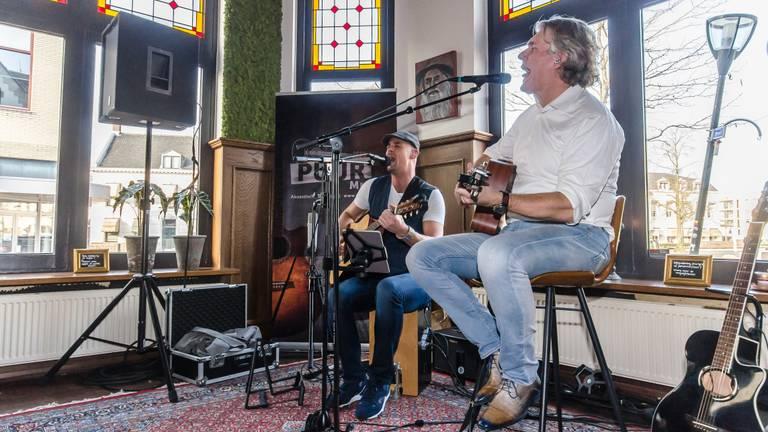 De Brabantse muzikanten vertrekken bijna voor hun eerste buitenlandse optreden naar India. (Foto: Puur Muziek)