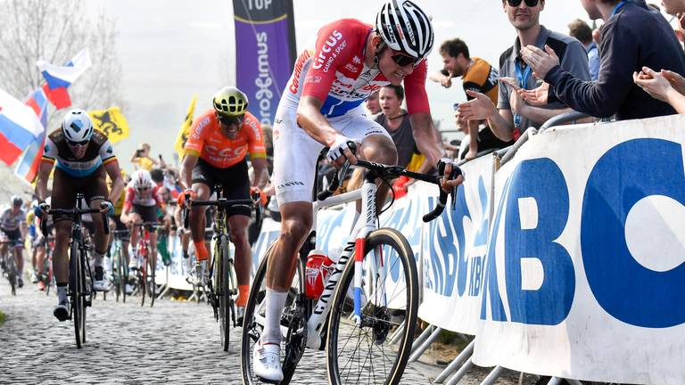 Mathieu van der Poel ook sterk op de weg. (Foto: VI Images)
