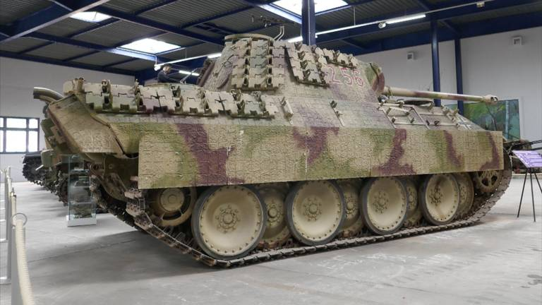 De Duitse Panther tank in Overloon.