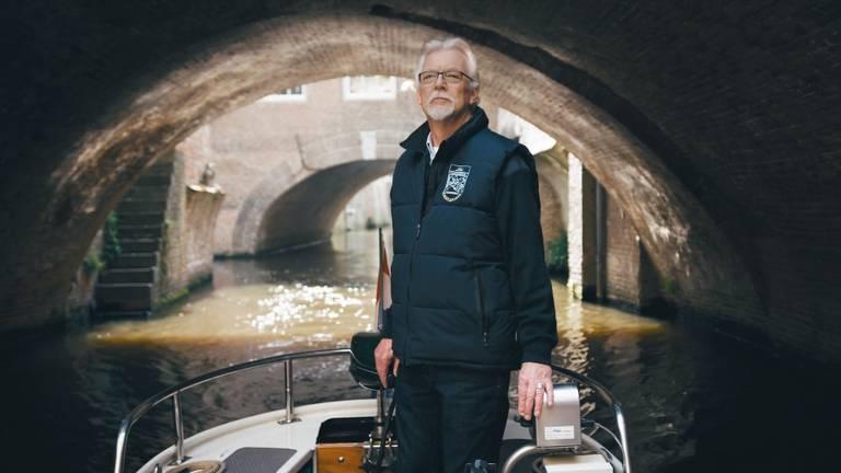 In de Ster reclame is een schipper te zien die rondvaart op de Binnendieze.