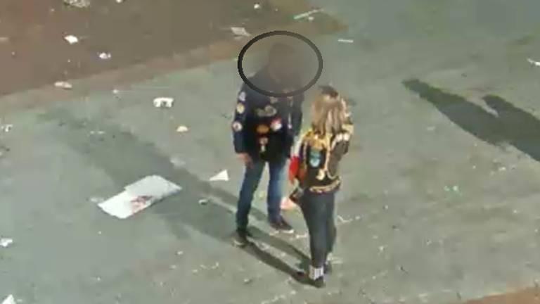 De man trapte de vrouw van haar fiets (Foto: politie)