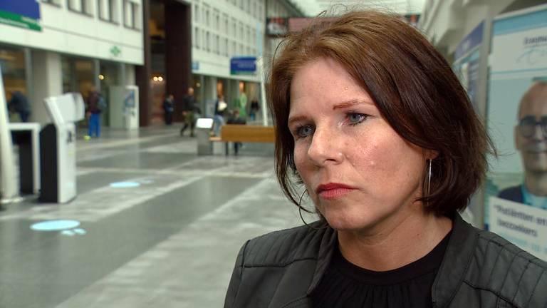 Anette wil weten wie haar moeder heeft aangereden en zwaargewond achterliet.