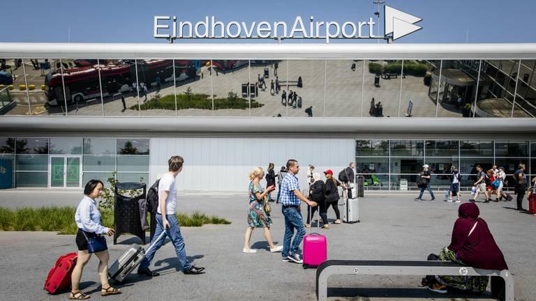 Omwonenden maken zich zorgen over eventuele uitbreiding van Eindhoven Airport (Foto: ANP)