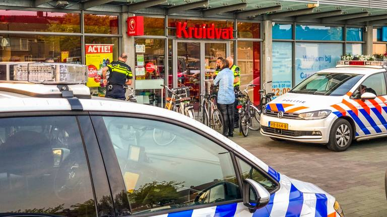 Kruidvat in Eindhoven werd overvallen door twee daders (Foto: Sem van Rijssel)