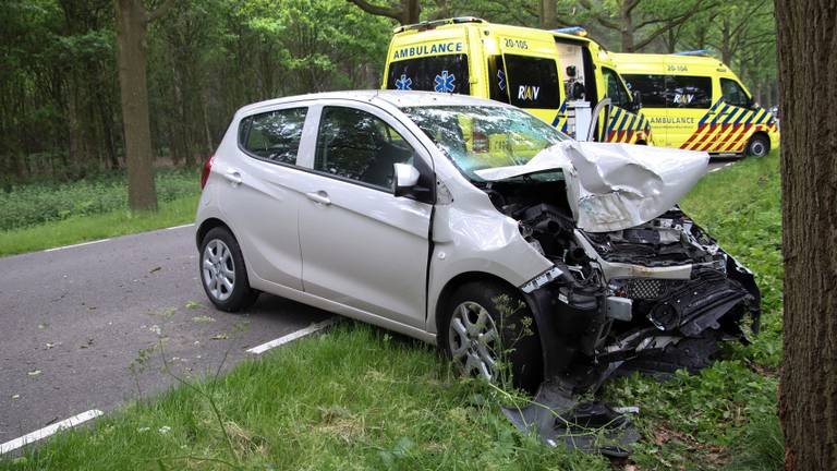 Vanwege het ongeluk werden meerdere hulpdiensten opgeroepen. (Foto: Renato Hermsen/SQ Vision)
