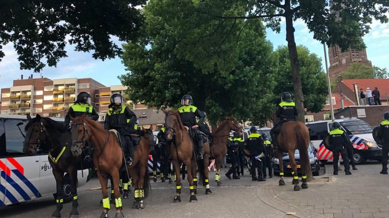 Mobiele Eenheid tijdens een eerdere demonstratie van Pegida in Eindhoven. (Foto: Omroep Brabant)