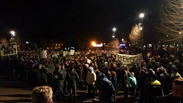Duizend mensen demonstreerden tegen de komst van het azc. (Foto: Marrie Meeuwsen)