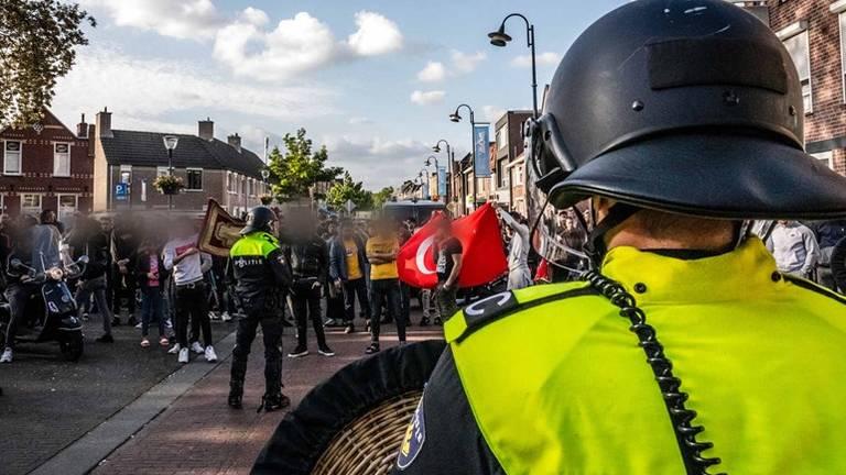 De demonstratie liep eind mei helemaal uit de hand (Archieffoto: Rob Engelaar).
