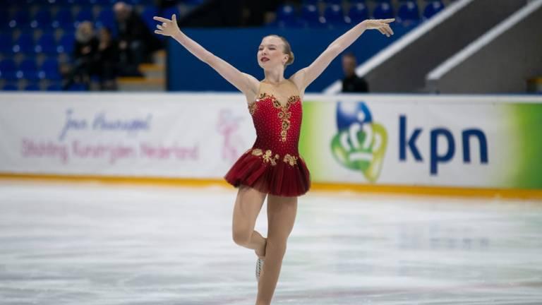 Lindsay van Zundert (14) is Nederlands kampioen kunstschaatsen bij de Junioren en wil naar Amerika.